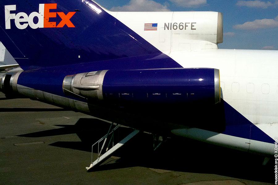 01-boeing-727-100f-bud-n166fe-fedex