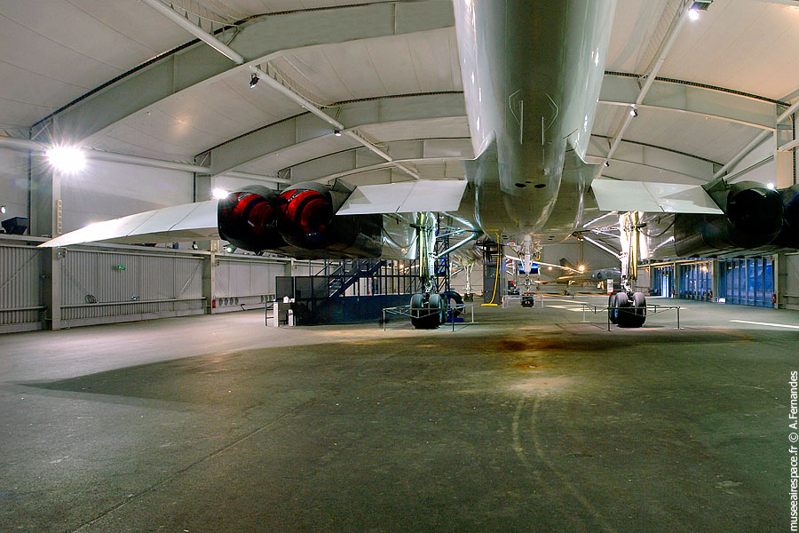 03-presentation-hall-concorde-museeairespace
