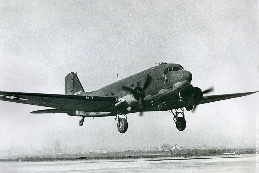 04-douglas-c-47a-skytrain-museeairespace1