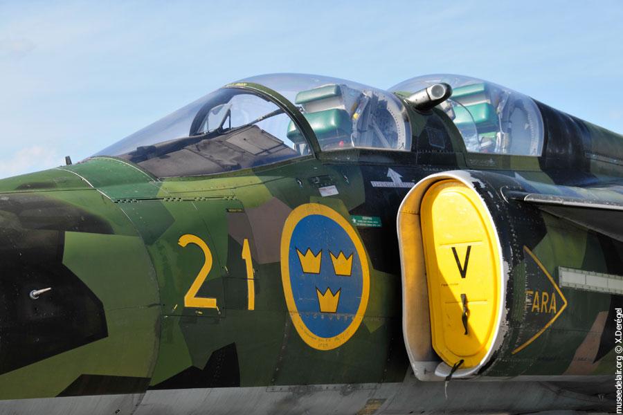 06-saab-sk-37e-viggen-tarmac-museedelair