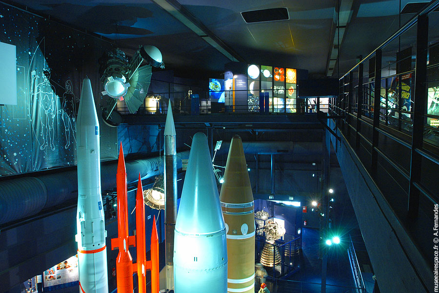 Agrandir Hall de l'Espace