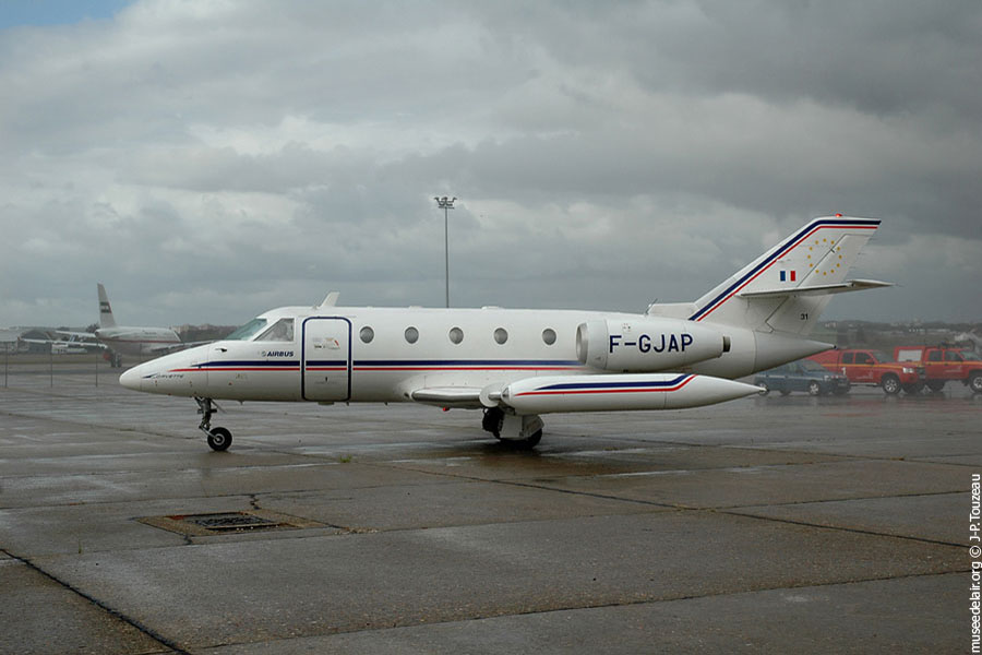 11-arrivee-corvette-F-GJAP-SN-601-17102009