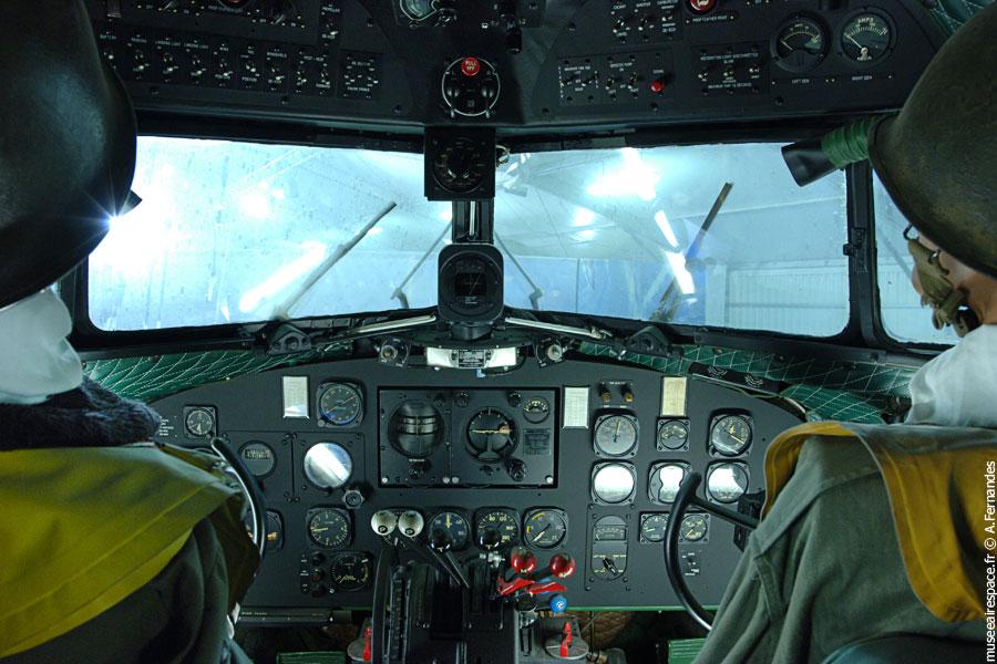 Cockpit du Dakota