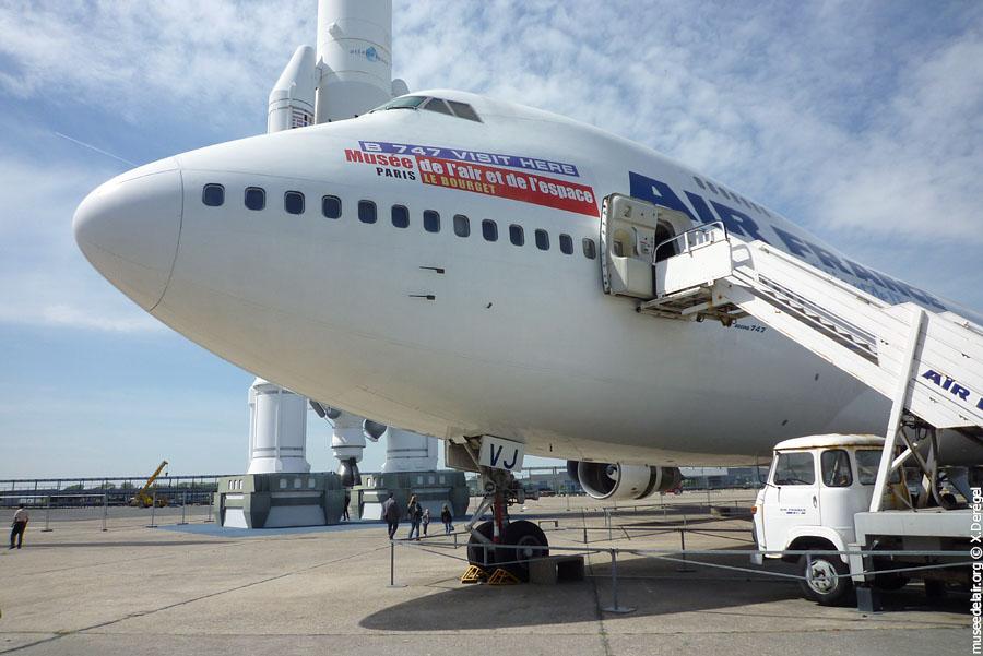 Boeing 747 sur le tarmac