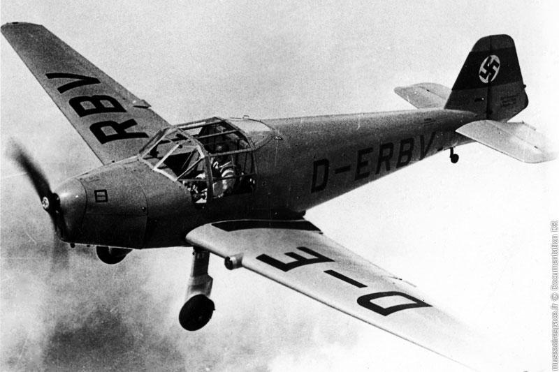 Agrandir Avion Bücker 181 Bestman