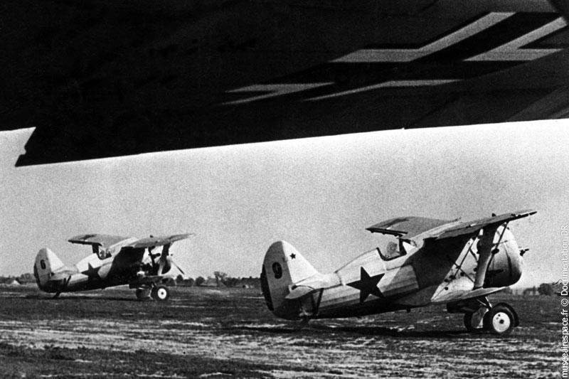 Avion Polikarpov I-153 Tchaïka