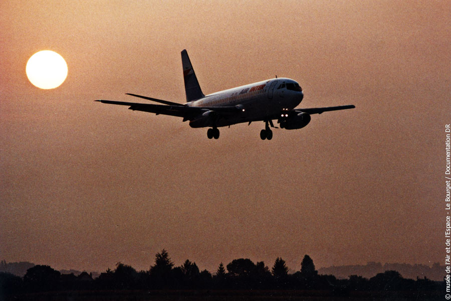 Agrandir Avion Dassault Mercure