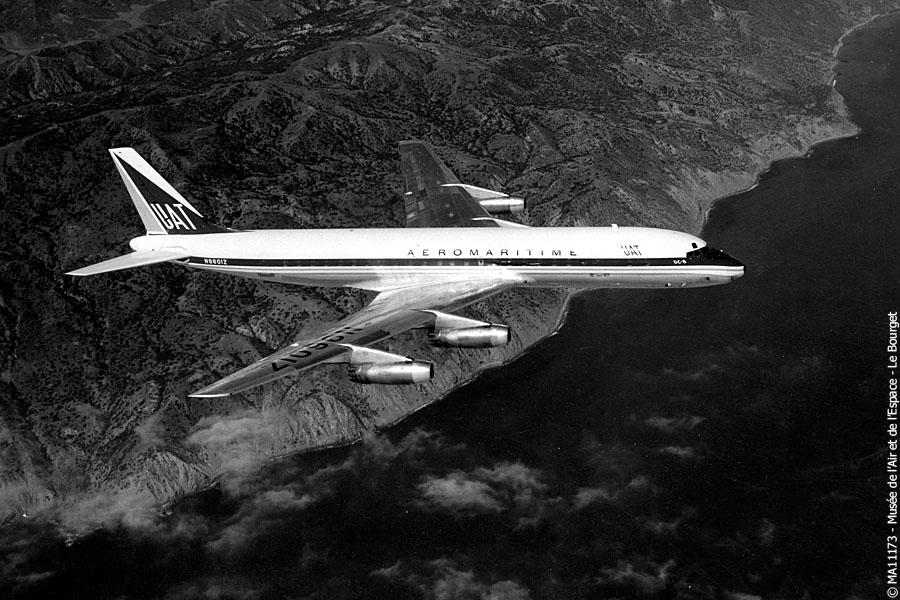 Douglae DC-8 UAT