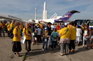 Groupe sur le tarmac du musée de l'air et de l'espace