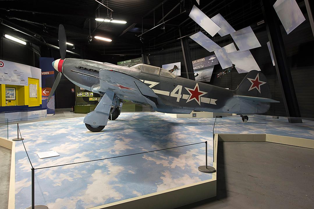 Agrandir Yak 3 dans le Hall Normandie - Niemen