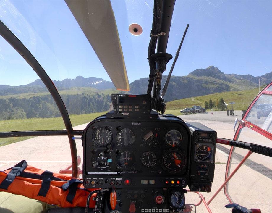 Cockpit Aérospatiale SA-316B Alouette III 1115 F-ZBAN Sécurité Civile