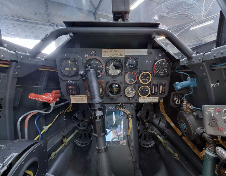 Cockpit Heinkel He 162 A-2 Spatz