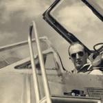 André Turcat dans le cockpit du Griffon