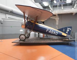 Visite guidée - restaurer les avions de musée