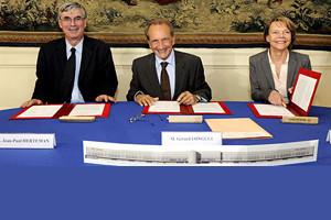 Signature partenariat Min Def - Gifas