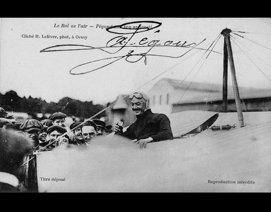 Adolphe Pégoud en tenue d'aviateur, s.d. Col. Musée de l'Air et de l'Espace – Le Bourget