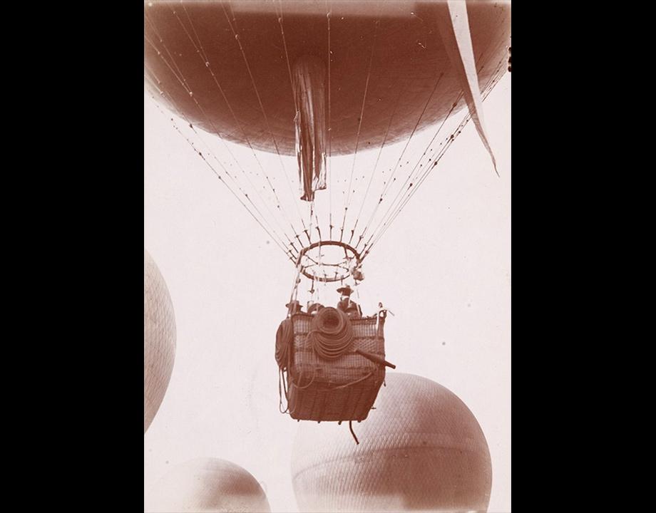 Ballon libre Le Saint-Louis au concours de ballons à Vincennes, 1900, Col. Musée de l'Air et de l'Espace – Le Bourget
